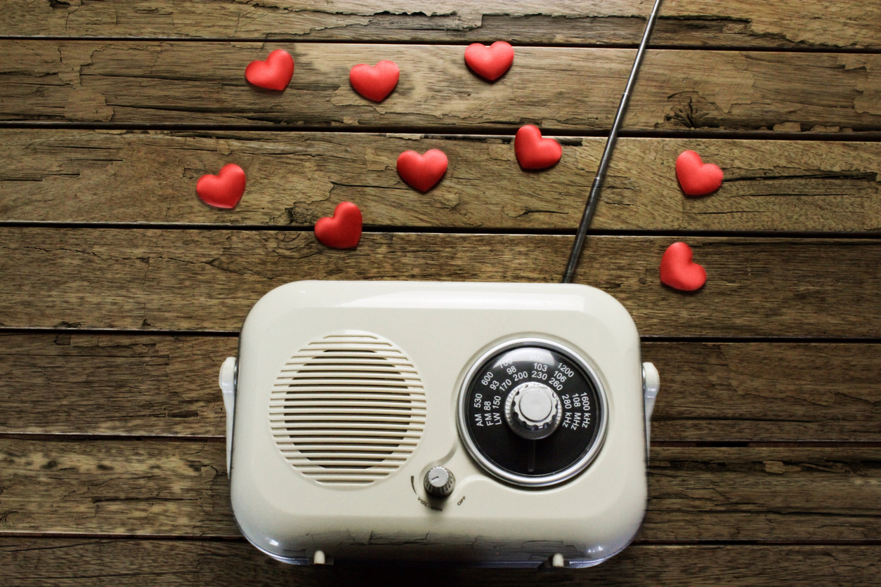 vintage radio with hearts